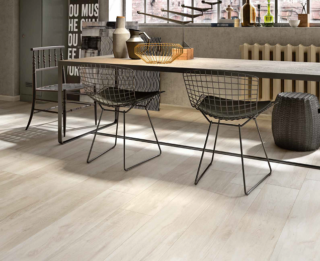 A collection that matches all contemporary needs, combining indoor and outdoor surfaces.