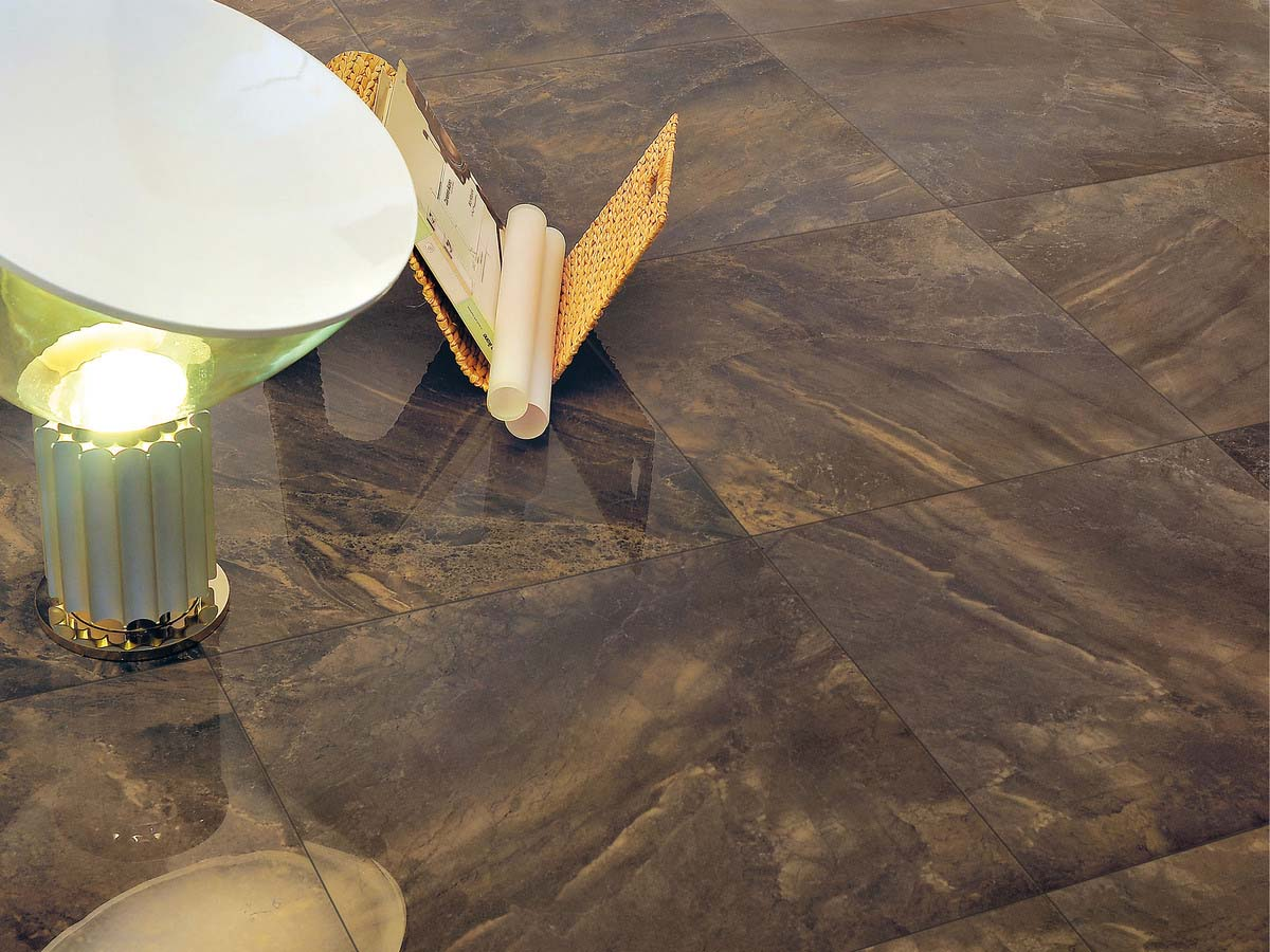 Wild copper -  Lappato plus, modern brazilian marble, with strong patterning and colors.